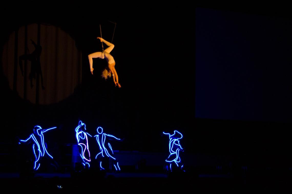 Dragon Swing und Illumination Showact Handwerkskammer Rostock Meisterbriefverleihung by EH-Showbox.com