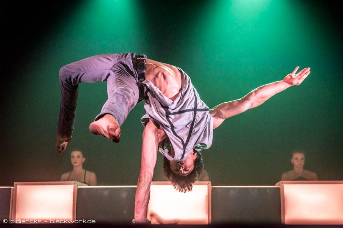 Mario Espanol | Handstand