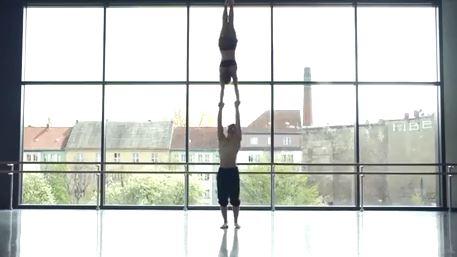 Duo Handstand -  Trailer