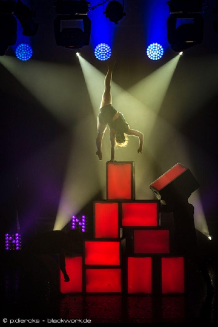 Nathalie Wecker | Handstand