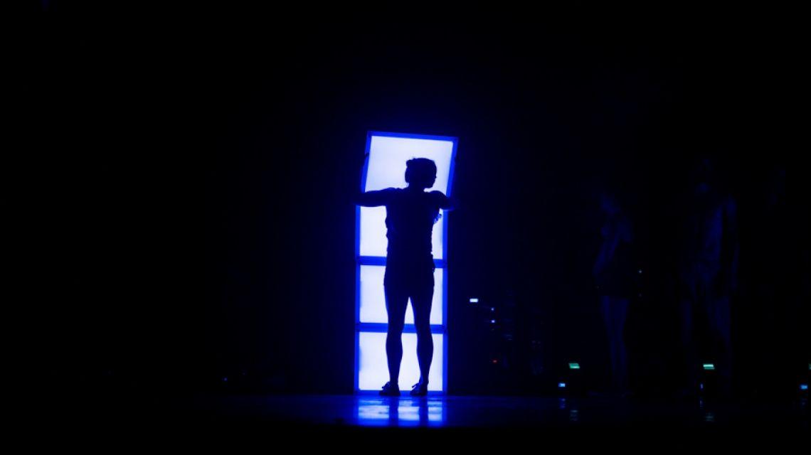 LED Kisten Bühnenbild: Daniele Drobny