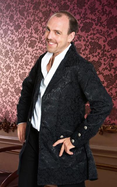 Alexander Mabros Er ist einer der vielseitigsten Magier der letzten Jahre: Alexander Mabros vereint nicht zwei Seelen in seiner Brust, es sind gut und gerne fünf oder sechs.