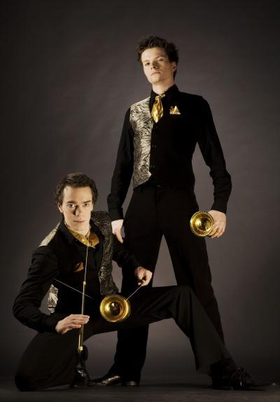 Sprungbrett Gewinner 2009: Diabolo-Duo Benno & Johannes Diabolo-Duo: Benno & Johannes mit ihrer temporeichen Darbietung