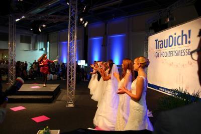 Lichttechnik & Lichttechnik für Sängerin auf einer Messe