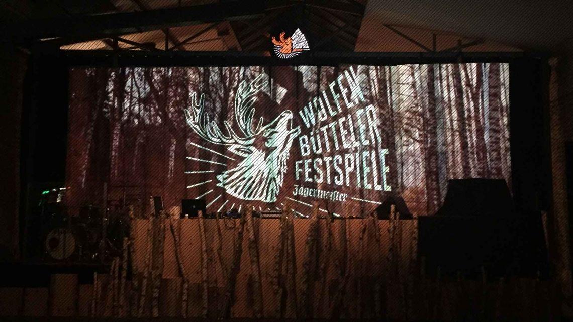 eventvisuals@jägermeister für jägermeister und die veranstaltung breaks, beats'n'brasses mit dj hell, sepalot und stroeme in düsseldorf haben wir projektions-technik geliefert, vj-clips produziert und live visuals gemacht.