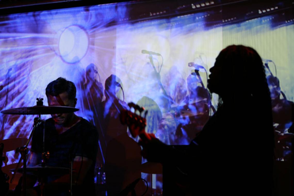 Sand-Visuals, Sandbilder kombiniert mit VJ Equipment, Bühnengestaltung Jazzfestival Aalen.