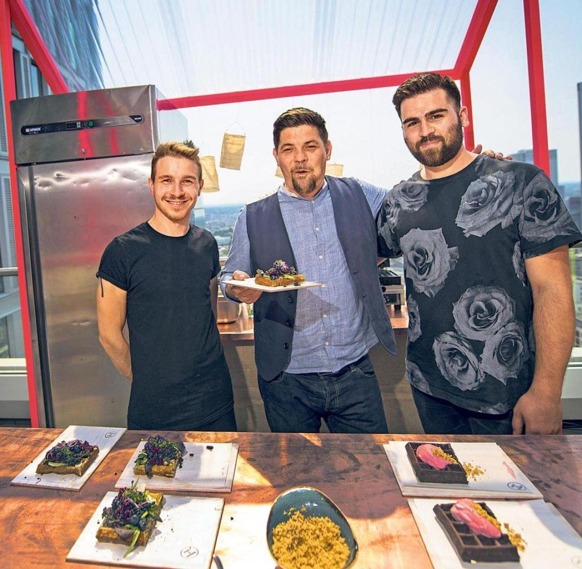 Tim Mälzer zu Besuch Tim Mälzer, Streetfoodcatering by GOOSE Gourmet, Foodtruck, Pret a Diner