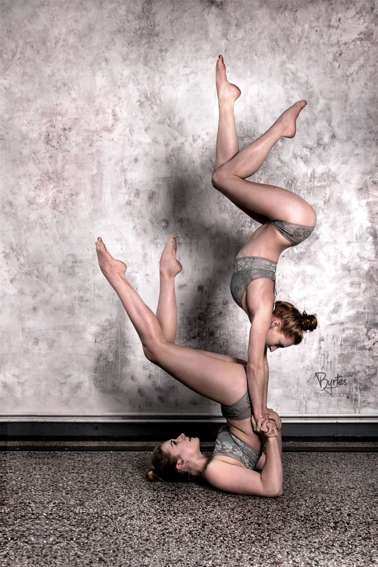 Partner Akrobatik monalaura