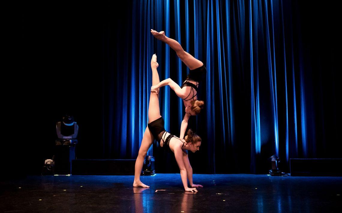 monalaura acrobatics Neues Theater Höchst 2017