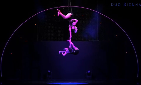 Duo Sienna - Vertical-pole Teaser
