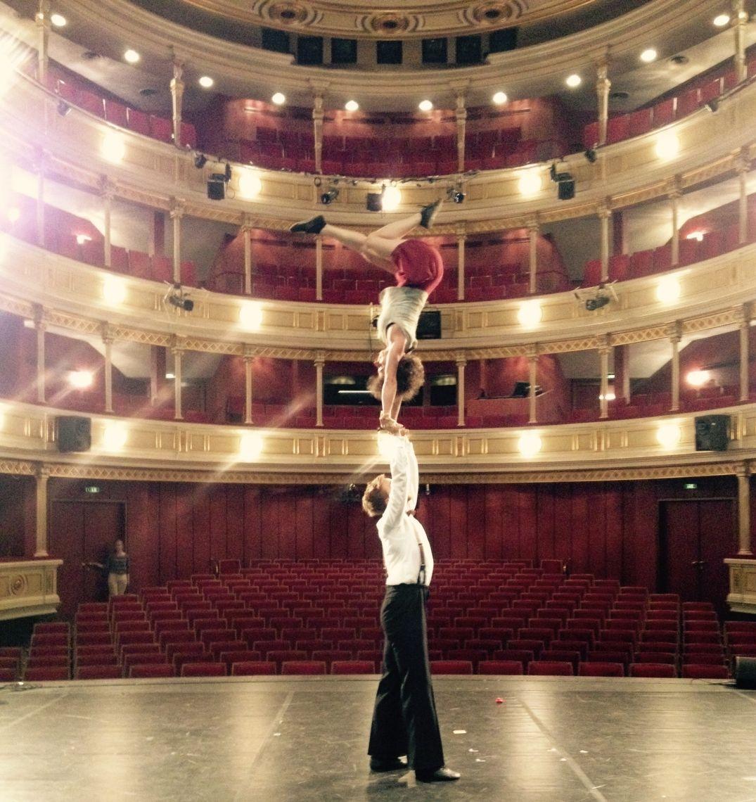 elabö – zirkus und theater