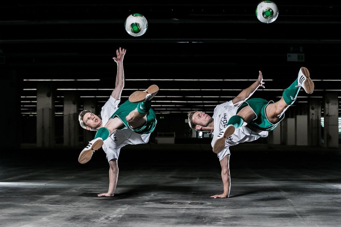 SLIKK Fussball Freestyler Dynamisch, Sportlich und Virtuos