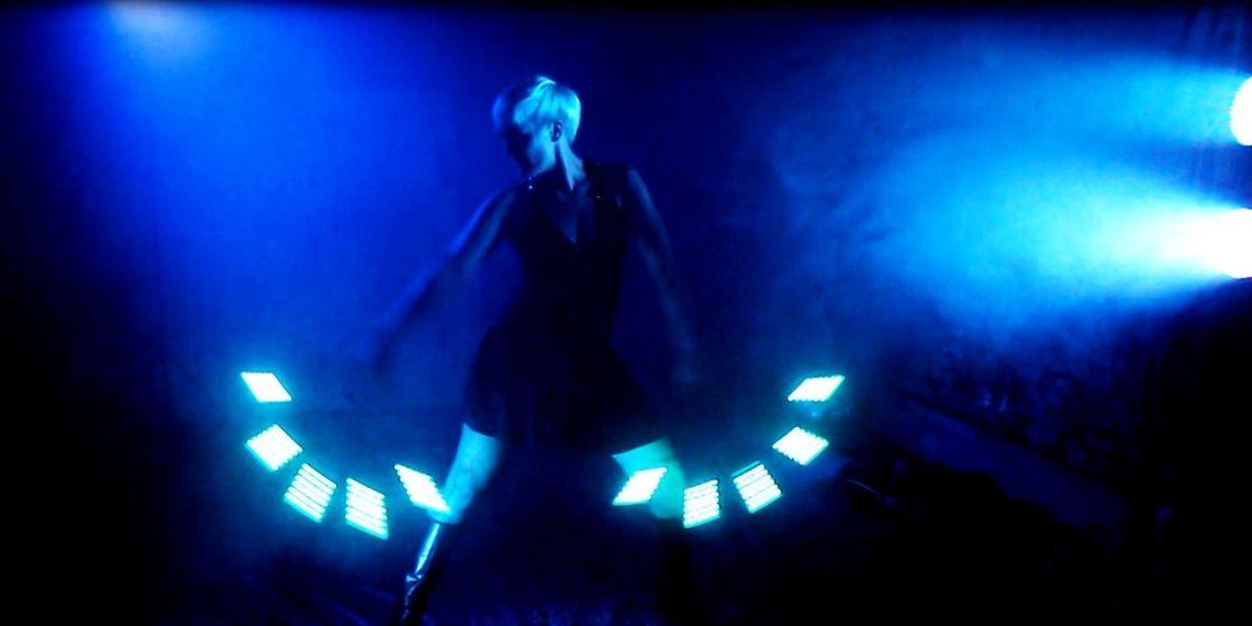 LED-Lichtshow DELiGHTFUL mit Sabrina Wolfram Stylisch, cool, modern und sexy