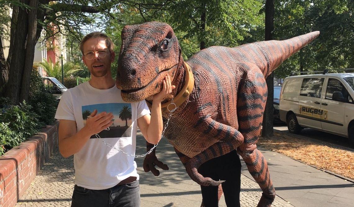 Dinosaurier Kostüm Berlin Raptor Dame Gerda