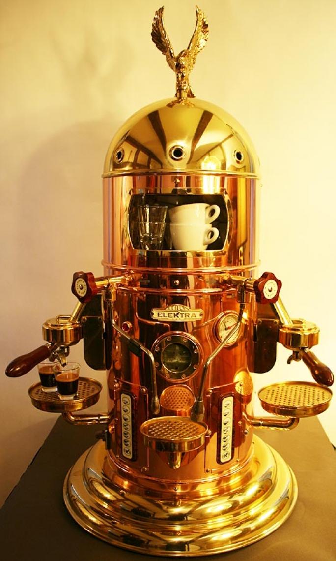 Foto: EspressoPause Elektra Belle Epoque - ein Traum in Kupfer und Messing.