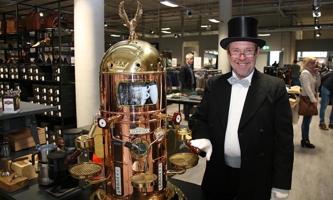 Foto: EspressoPause Im Einsatz beim exklusiven Herrenausstatter Roy Robson in Lüneburg