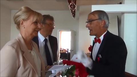 Butler Bernhardt - Begrüßung Der Gäste