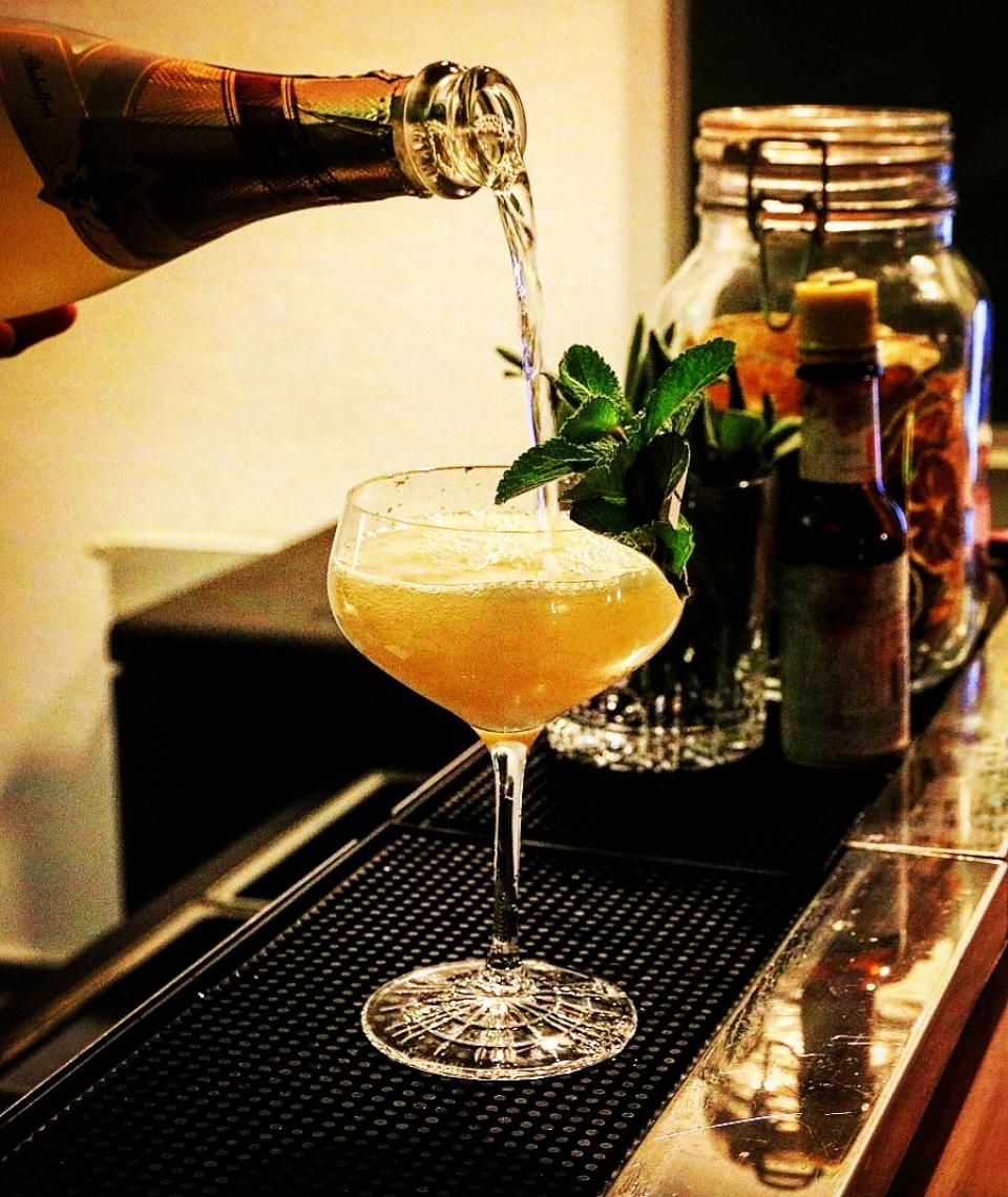 Alkoholfreie Drinks Light Cuban: Minze, Limette, Caribbean-Sirup, alkoholfreier Sekt