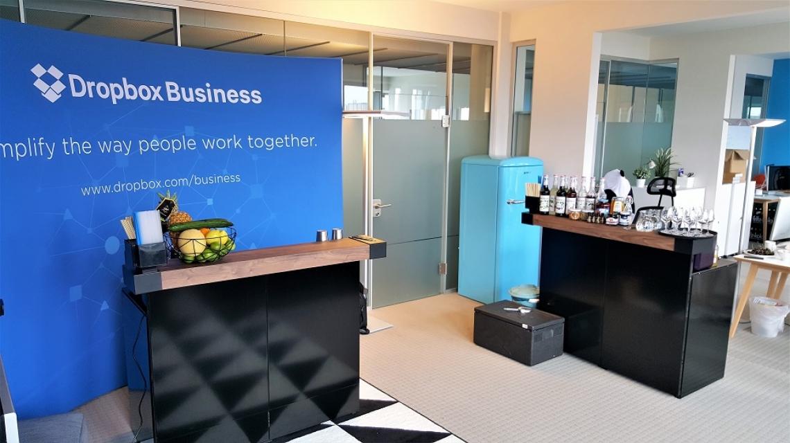 Cocktailkurs in Hamburg Dropbox lud uns zu einem Cocktailkurs ins Office nach Hamburg, um kreativ zu werden und neue Cocktails zu entwickeln.