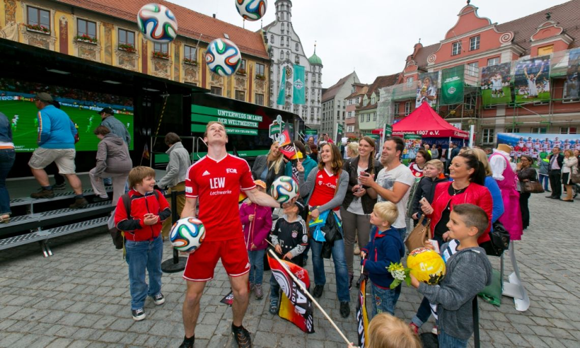 Walk-Act WM-Pokal Ehrenrunde