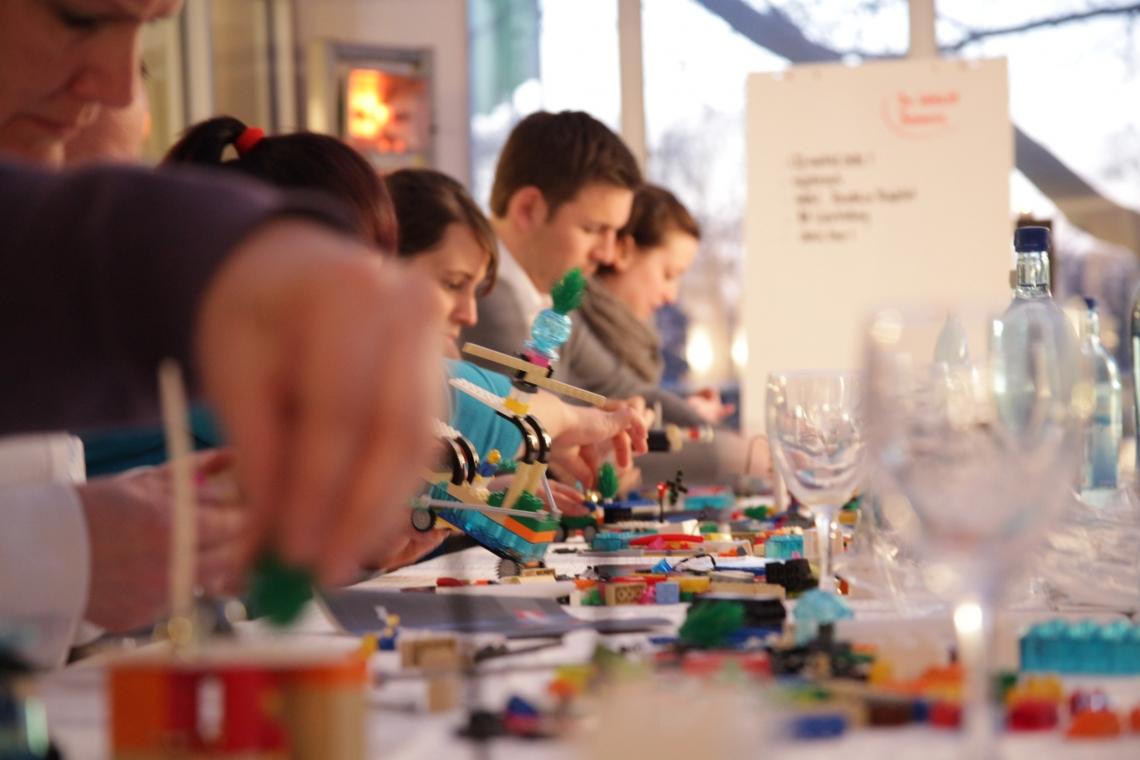 """Speaker und Workshop-Coach Dr. Reinhard Ematinger LEGO® SERIOUS PLAY® und """"Wie Sie ein Einhorn töten!"""""""