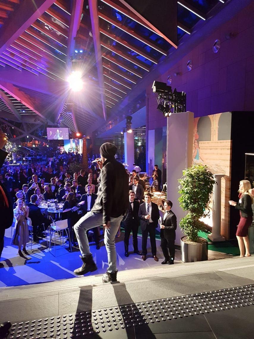 Flashmob Shows World Conference Center Bonn, Live Band Flashmob