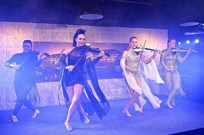4 Dancing Angels
