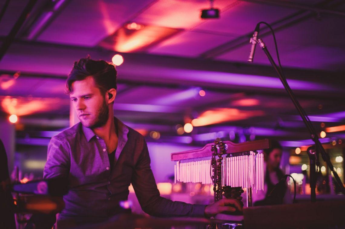 Flughafen Düsseldorf 2018  Max Klaas - Percussionist zur Zeit bei Sarah Conner