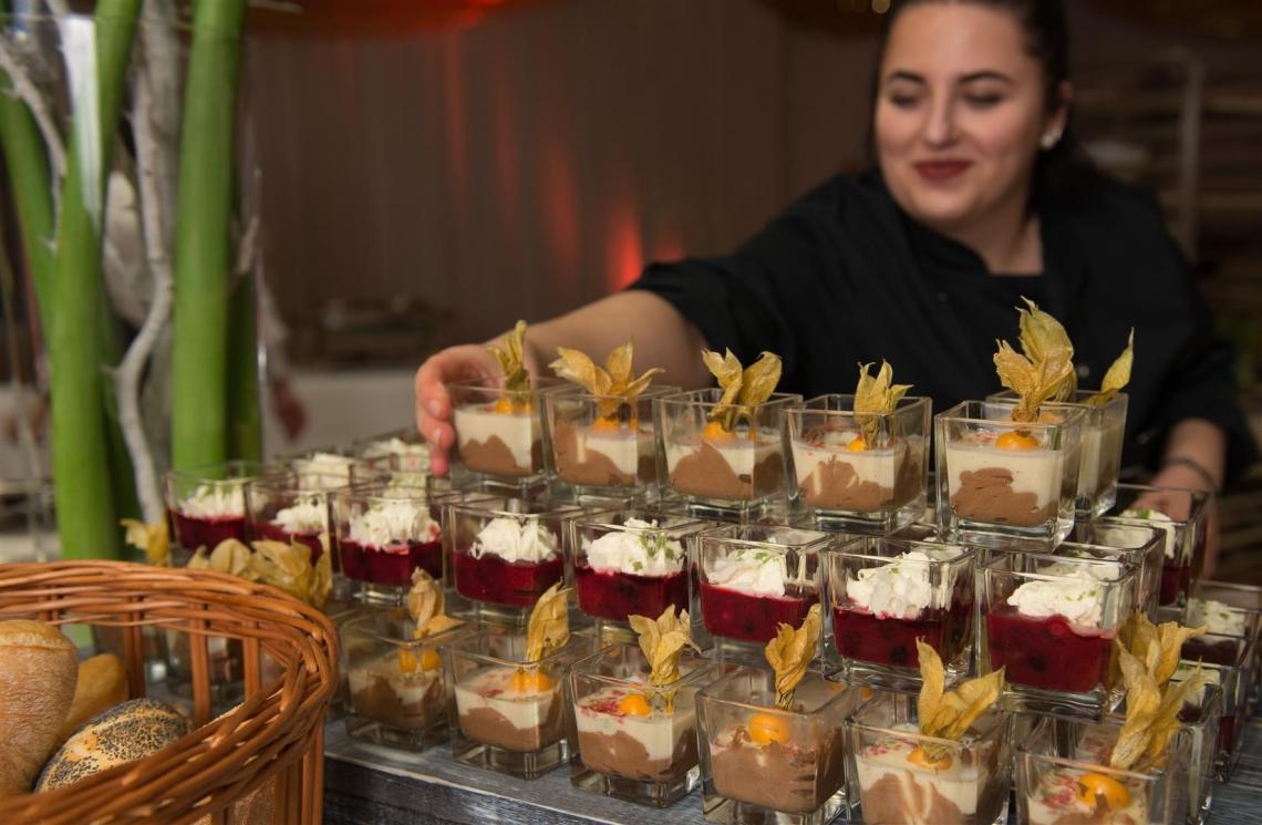 Wir verwöhnen Sie kulinarisch mit unserer hauseigenen Gastronomie.