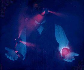 Die Blacklight-Show ENZOs Shows sind sowohl außergewöhnlich als auch top-professionell. Eine einzigartige Vielfalt im Programm - vereint durch einen einzig(artig)en Künstler.