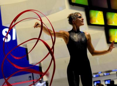 Gymnastik Inszenierungen Gymnastik und Kontorsion als Solo oder Duo Act oder Teil einer exklusiven Inszenierung