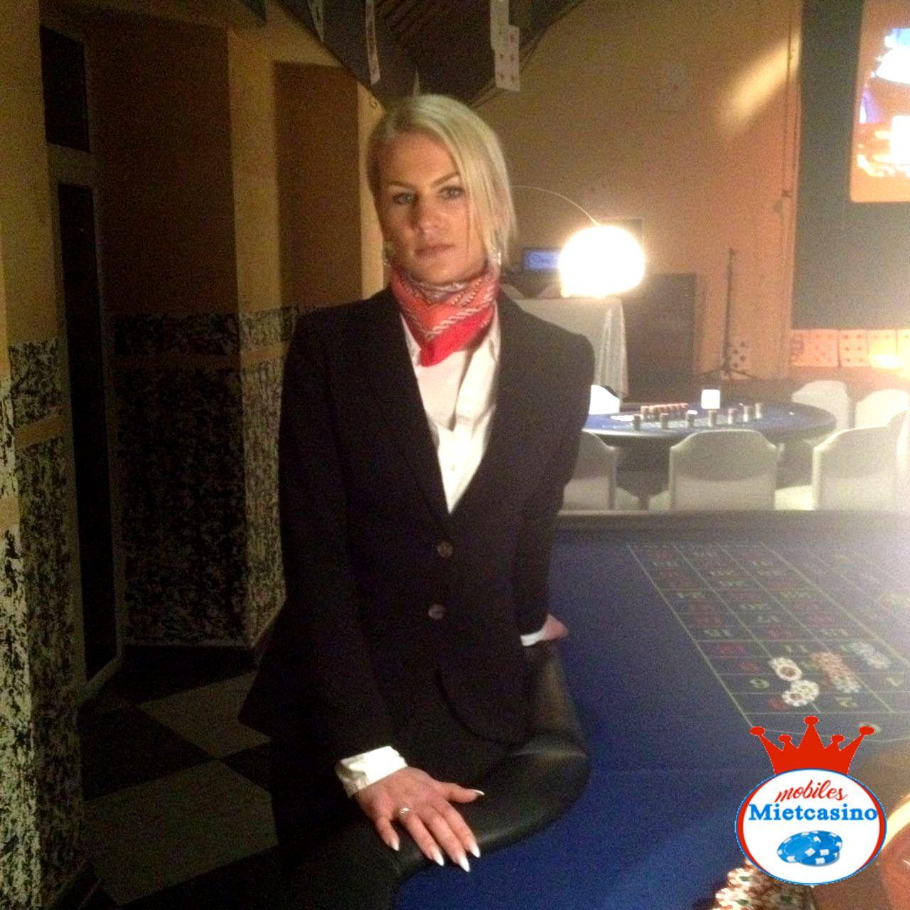 American Roulette Casino Spieltische mit Roulette Kessel  Roulette Croupier