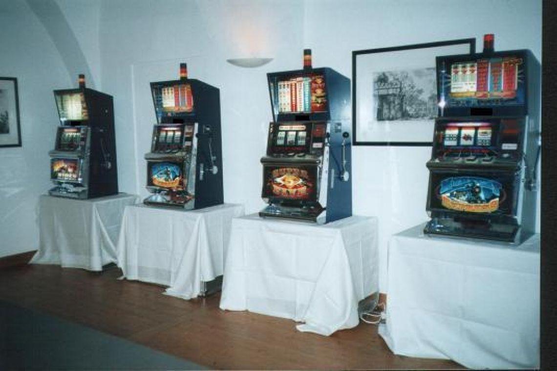 Slotmachine Einarmige Banditen ohne Gästen  Slotmachine Einarmige Banditen ohne Gästen Casino Event.