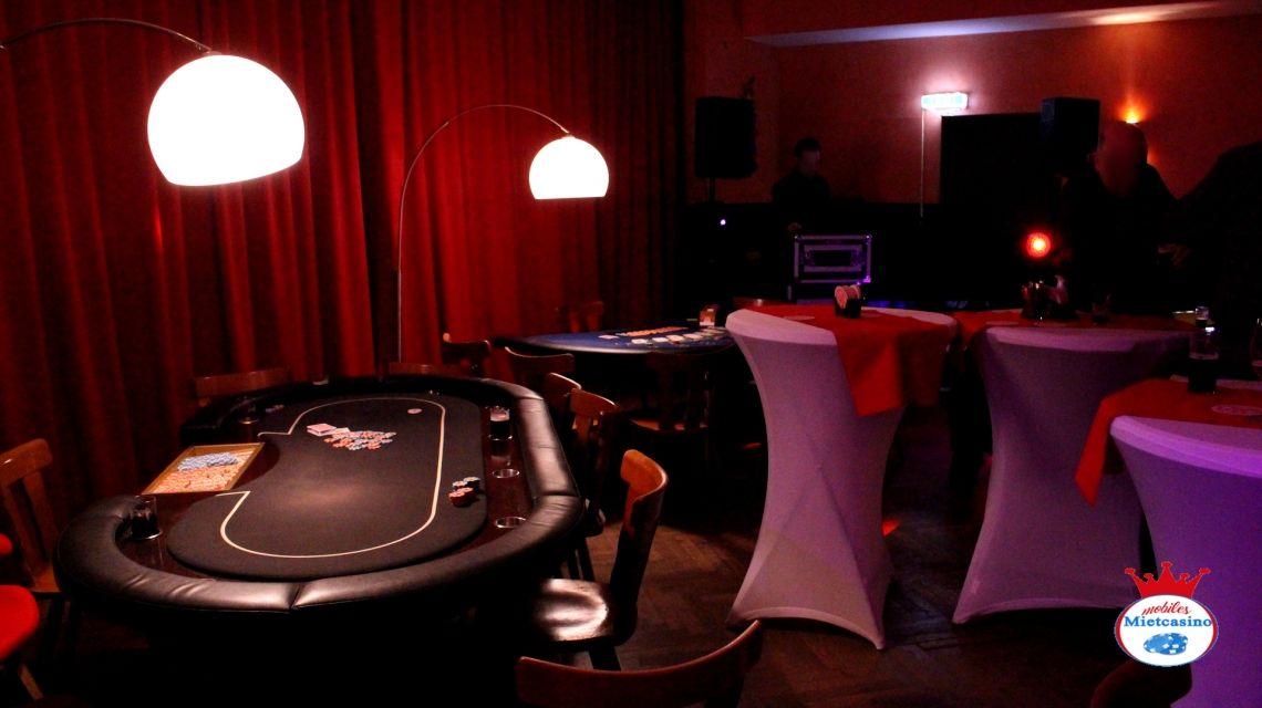 Poker Spieltisch von K & K Top Qualität  Poker Spieltisch für 10 Gäste in Düsseldorf.