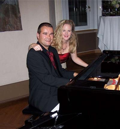 Duo Violine Klavier Duo Violine Klavier: Manon und Armin stimmen sich schon mal ein vor dem Auftritt.
