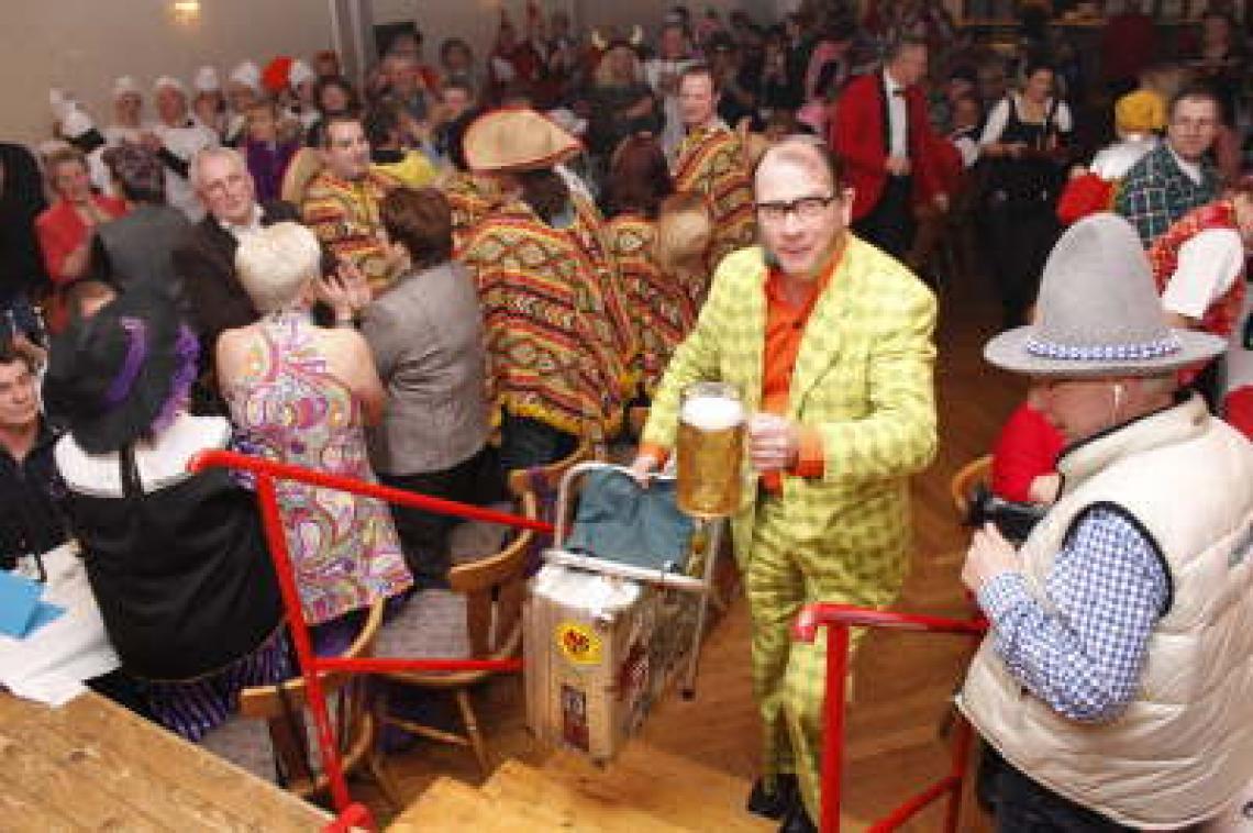 Karnevalskünstler Krawalli Krawalli ist ein erfahrener Karnevalskünstler. Mit seiner Show war er in den letzten 10 Jahren bei zahlreichen Karnevalsveranstaltungen zu Gast!