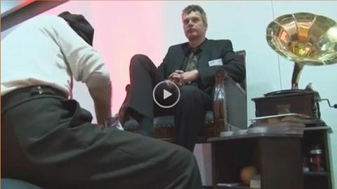 Video: Shoe-Shine-Service
