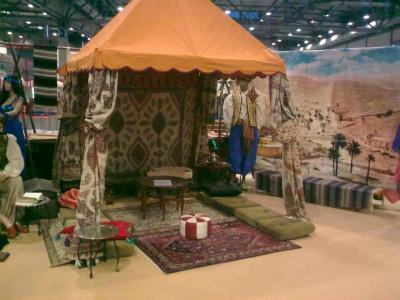 Wahrsagerzelt oder Shisha Lodge oder Teezelt das besondere Flair des Orients auf Ihrer Veranstaltung. Gern dekorieren wir auch Ihre Location ( Zelt) wie bei 1001 NAcht