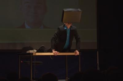 Bürobic Armin Nagel bei seinem  Show Act Fit durch Bürobic