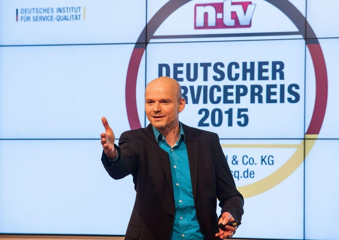 Deutscher Servicepreis Armin Nagel beim deutschen Servicepreis ( Foto Thomas Ecke n-tv)
