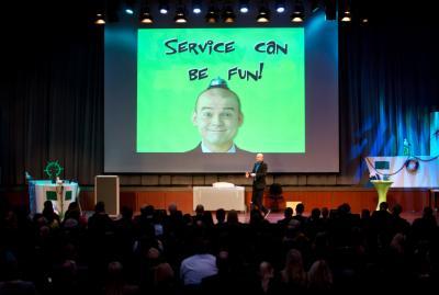 """Key Note Vortrag """"Service darf auch Spass machen!"""" Armin Nagel als Service Experte und Comedy Redner  mit seinem Key Note Vortrag"""