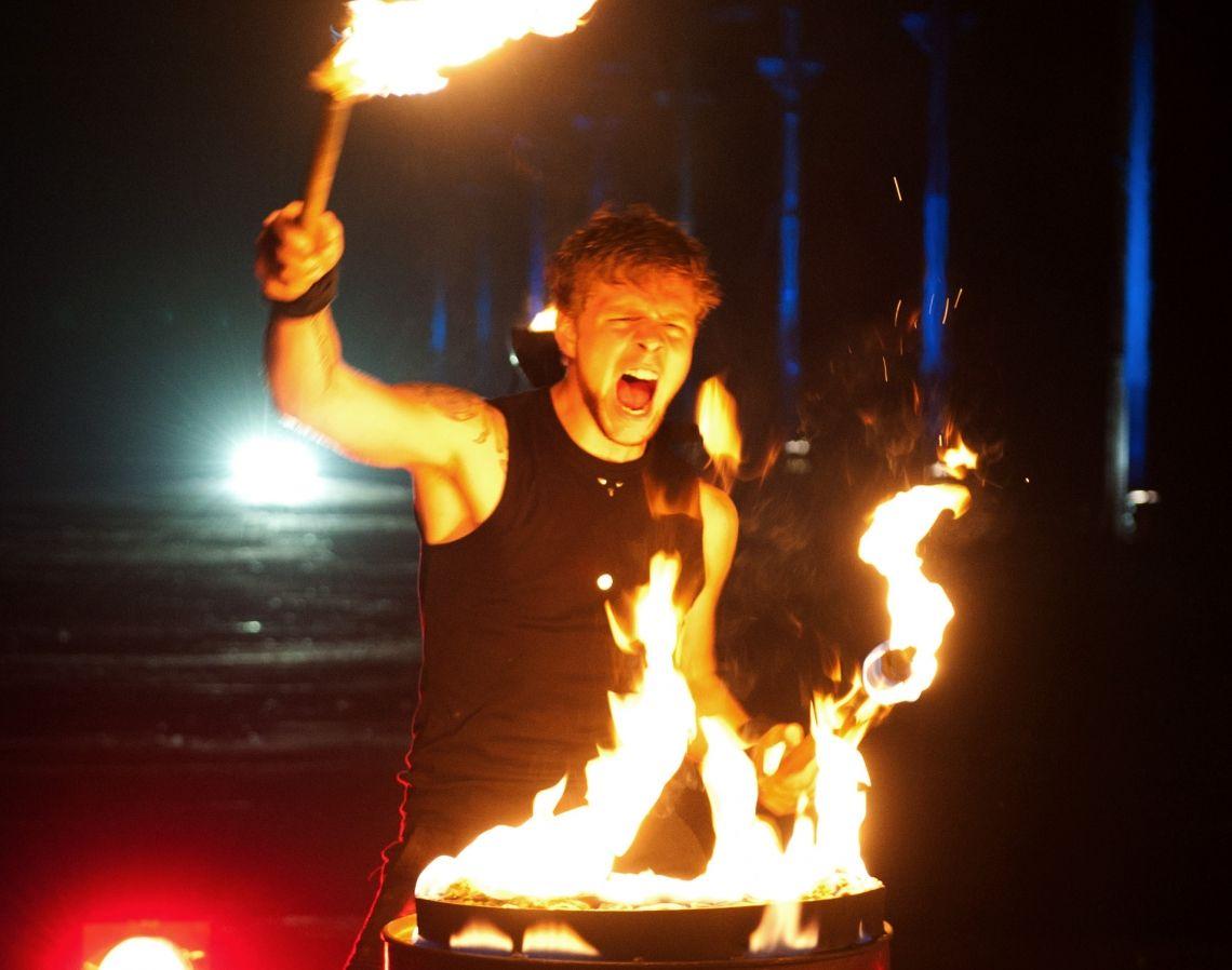 FIREDRUMS FIREDRUMS - Die Powershow: Feuer, Akrobatik und Live-Musik!