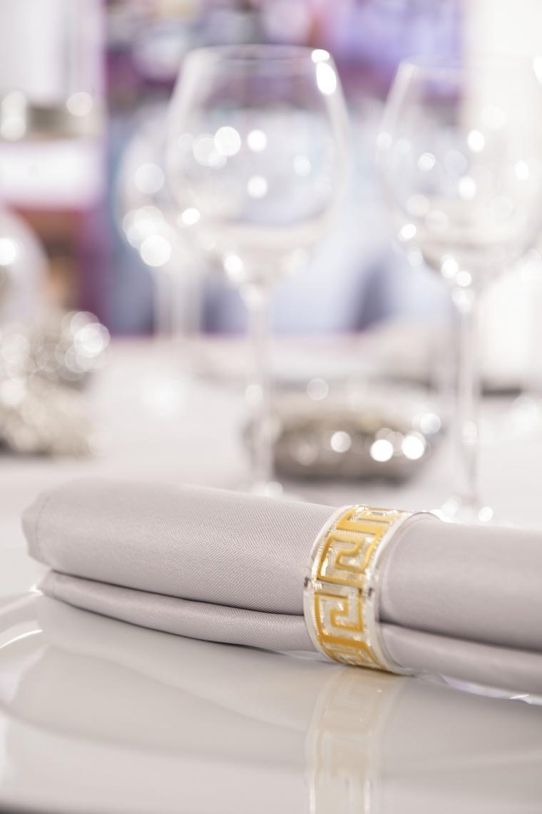 Servietten in verschiedenen Farben - passend zu Ihrer Dekoration oder zu unseren Tischdecken