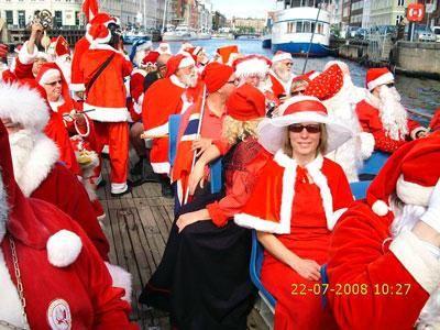 Weihnachtspromotion Überlassen Sie Ihren Promotionerfolg nicht dem Zufall: Buchen Sie gut ausgebildete Weihnachtsmänner – auch für bundesweite Aktionen – über das Weihnachtsbüro!