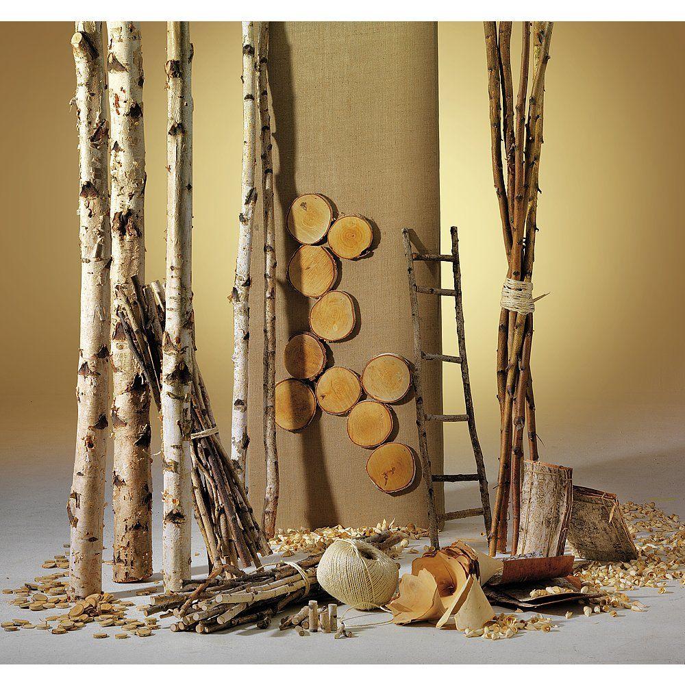 Dekoidee Birkenholz Für alle, die es nachhaltig und natürlich mögen, ist eine Dekoration mit Holz genau das Richtige. Ob Scheiben, Platten oder Birkenstämme zum Selbstsägen - unsere Holzartikel lassen sich vielseitig kombinieren und schaffen eine gemütliche und rustikale Atmosphäre.