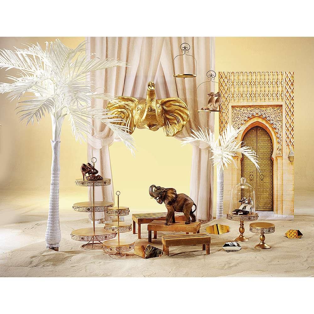 Dekoidee Marrakesch Ein Hauch Orient ist ein Must have für Boho- und Folklorefans. Metallene Accessoires wie Hängetabletts, Spiegel oder kunstvoll behauene Tabletts gesellen sich zu opulenten Vorhängen und Wandmotiven mit opulenten Arabesken. So entsteht eine besonders exklusive Dekoration die an atemberaubende Paläste mit magischer Atmosphäre erinnert.