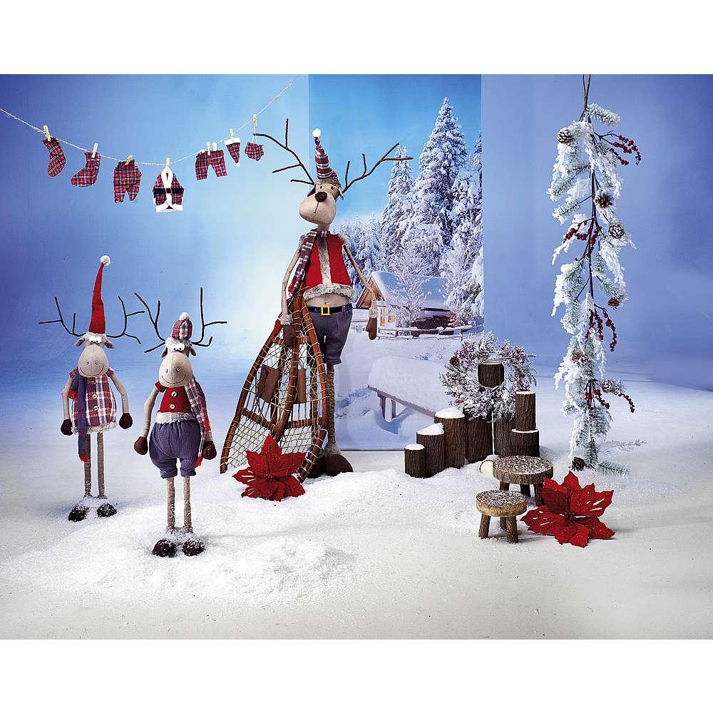 Dekoidee Winterelche Diese lustige Elch Dekoration in verschneiter Winterlandschaft wird ein Hingucker in Ihrem Schaufenster und sowohl während der Winter- als auch in der Adventszeit alle Blicke auf sich ziehen.