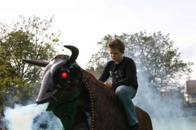 Rodeo Bullriding mit eingebauter Nebelmaschine