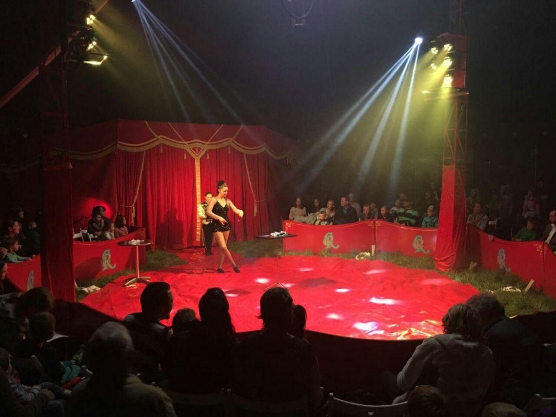 Zaubershow im Circus