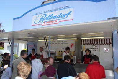 Pommeswagen Sie finden uns mit unserem Imbisswagen auf vielen regionalen Festen und Veranstaltungen!